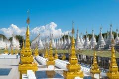 Pagode de Kuthodaw, Mandalay, Myanmar fotos de stock