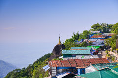 Pagode de Kyaikhtiyo, Myanmar Fotografia de Stock