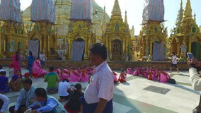Pagode de Shwedagon em Yangon video estoque