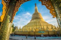 Pagode de Shwemawdaw de Bago, Myanmar imagem de stock royalty free