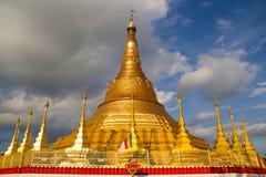 Pagode de Tachileik Shwedagon Foto de Stock