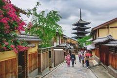 Pagode de Yasaka e rua de Sannen Zaka em Kyoto, Japão Fotografia de Stock