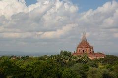 Pagode in der Wiederherstellung auf Bagan-Ebenen Bagan myanmar Lizenzfreie Stockfotografie