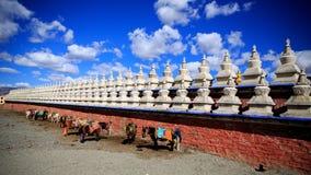 Pagode di bianco del Tibet fotografie stock