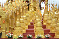 500 pagode dorate Fotografia Stock Libera da Diritti