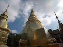 Pagode dorate al tempio di Phra Singh in Chiang Mai Fotografia Stock Libera da Diritti