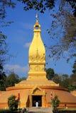 Pagode dourado famoso grande em Tailândia Fotos de Stock Royalty Free
