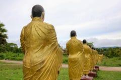 Pagode dourado na tonelada de Wat Sao Roi em Payatongsu, Myanmar Fotos de Stock Royalty Free