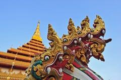 Pagode dourado no templo de Wat Nong Wang, Khonkaen Tailândia Foto de Stock Royalty Free
