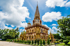 Pagode em Wat Chalong ou no templo de Chalong, Phuket Tailândia Fotografia de Stock