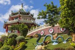 Pagode en draakbeeldhouwwerk van de Taoist Tempel in Cebu, Philip Royalty-vrije Stock Foto's