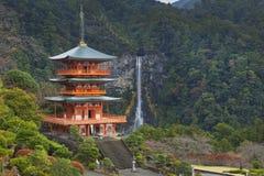 Pagode en Nachi Falls in de Wakayama-Prefectuur, Japan royalty-vrije stock afbeelding