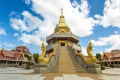 pagode grande no templo tailandês Imagem de Stock