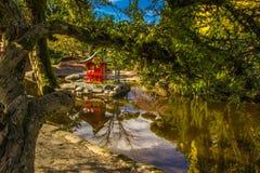 Pagode im Teich Stockbilder