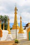 Pagode in Inle-Meer, Myanmar royalty-vrije stock fotografie