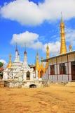 Pagode in Inle-Meer, Myanmar stock afbeeldingen