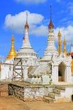 Pagode in Inle-Meer, Myanmar stock foto's