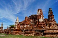 Pagode met blauwe hemel in Ayutthaya, Thailand Stock Foto