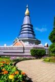 Pagode met blauwe hemel. bij Chiang MAI, Thailand Stock Fotografie