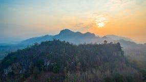 pagode su una cresta stretta e ripida Fotografia Stock