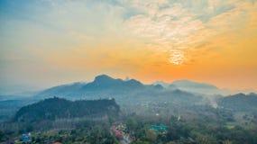 pagode su una cresta stretta e ripida Immagine Stock