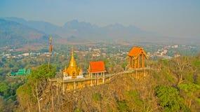 pagode su una cresta stretta e ripida Fotografie Stock