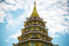 Pagode von Wat Huay Pla Kung Temple Chiang Rai, Thailand Lizenzfreie Stockfotos