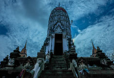 Pagode in Wat Putthaisawan (Horizon-Blauw) Stock Foto's