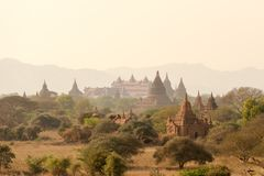 Pagodelandschap de vlakte van Bagan, Myanmar royalty-vrije stock fotografie