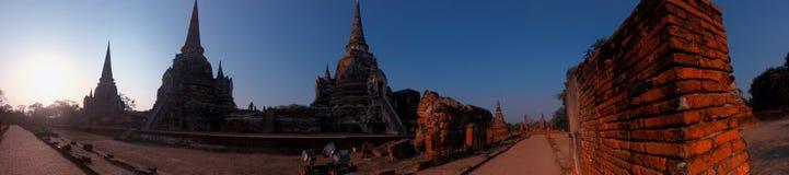 Pagoden av den gamla templet på det Ayuthaya landskapet som är historisk parkerar Thailand Royaltyfri Bild