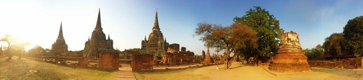 Pagoden av den gamla templet på det Ayuthaya landskapet som är historisk parkerar Thailand Fotografering för Bildbyråer