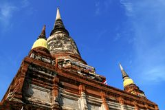 Pagodenstatue bei Wat Yai Chaimongkol, Thailand Stockfoto