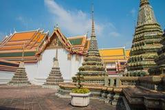 Pagoder i den Wat Pho templet, Bangkok Thailand Arkivfoton