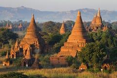 Pagoder och tempel i Bagan royaltyfri foto