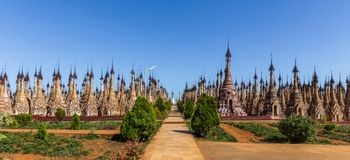 Pagodes de Kakku, em Myanmar foto de stock