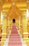 500 pagodes dourados Imagens de Stock Royalty Free