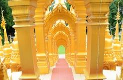 500 pagodes dourados Imagem de Stock