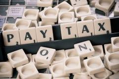 Pague el impuesto Imágenes de archivo libres de regalías