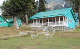 Förlägga i barack i Pahalgam. fotografering för bildbyråer