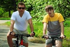 Pai com seu filho Foto de Stock Royalty Free
