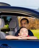 Pai And Daughter Sitting em Mini Van Fotos de Stock Royalty Free
