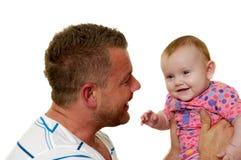 Pai e bebê de sorriso Fotografia de Stock