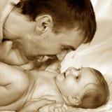 Pai e bebê Fotos de Stock Royalty Free