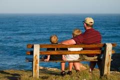 Pai e dois filhos Fotografia de Stock Royalty Free