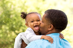 Pai e filha do americano africano foto de stock royalty free