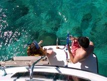 Pai e filha prontos para snorkel Imagem de Stock