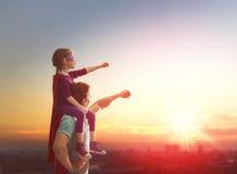 Pai e sua filha Fotos de Stock Royalty Free