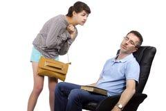 Pai Tired da filha atrasada de espera na noite Fotos de Stock