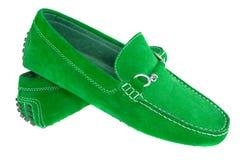 Paia delle scarpe degli uomini verdi isolate sopra bianco Fotografia Stock Libera da Diritti
