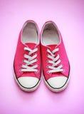 Paia delle scarpe di palestra utilizzate Immagini Stock Libere da Diritti